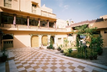 Krishna Prakash Heritage Haveli, Jodhpur, India, compare prices for bed & breakfasts, then book with confidence in Jodhpur