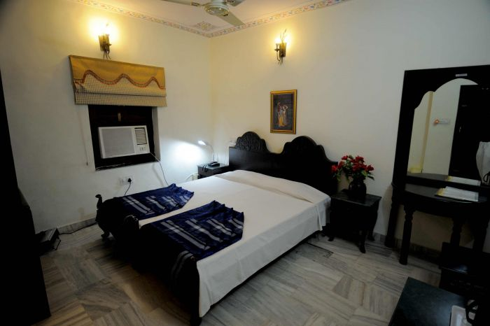 Laxmi Palace, Jaipur, India, hostels with travel insurance for your booking in Jaipur