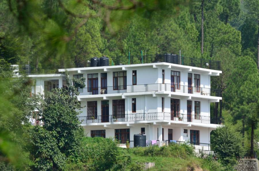 Sanawar View, Kasauli, India, India bed and breakfasts and hotels
