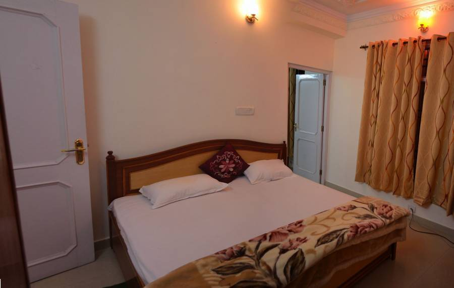 Sanawar View, Kasauli, India, compare with the world's largest bed & breakfast sites in Kasauli