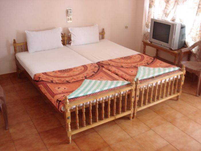 Shirleys Beach, Thiruvananthapuram, India, low price guarantee when you book your bed & breakfast with BedBreakfastTraveler.com in Thiruvananthapuram