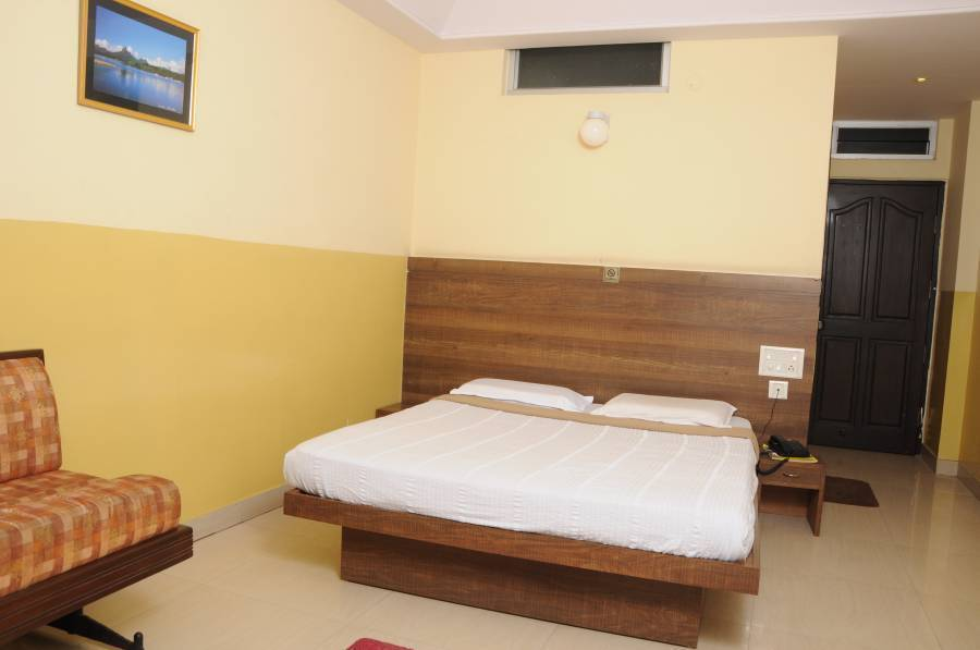 Suvarna Residency, Mysore, India, India bed and breakfasts and hotels