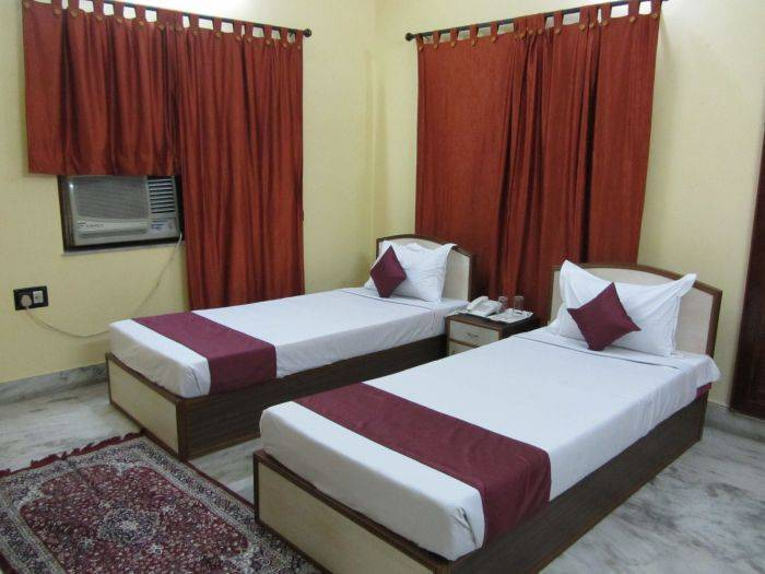 Tulip Guest House, Kolkata, India, read reviews from customers who stayed at your bed & breakfast in Kolkata