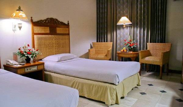 Kusuma Sahid Prince Hotel Solo - Get cheap hostel rates and check availability in Solotiang 6 photos