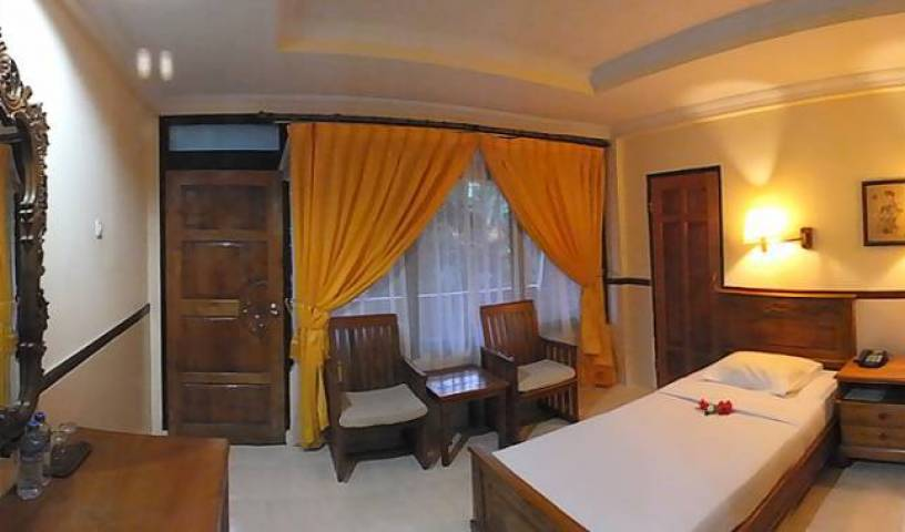Palm Beach Hotel - Search available rooms and beds for hostel and hotel reservations in Tuban, book exclusive hostels 4 photos