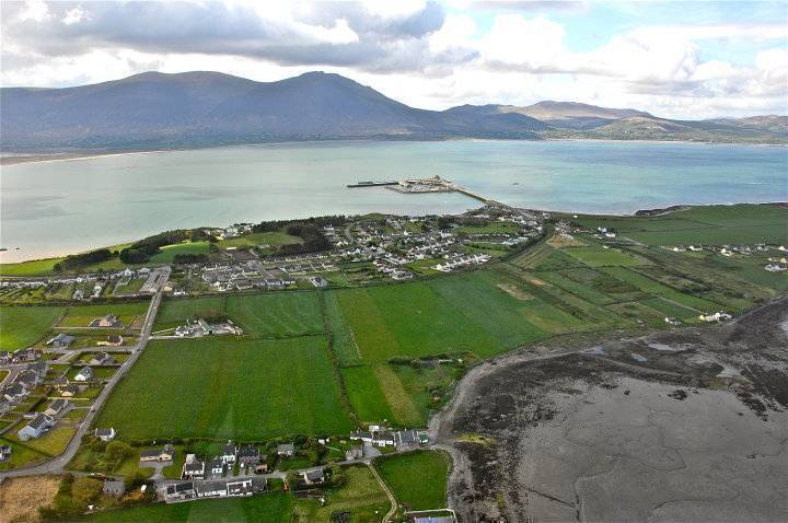 West End Fenit, Tralee, Ireland, travelling green, the world's best eco-friendly bed & breakfasts in Tralee