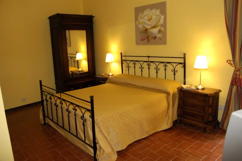 B and B Giardino di Leopolda, Florence, Italy, bed & breakfasts with the best beds for sleep in Florence