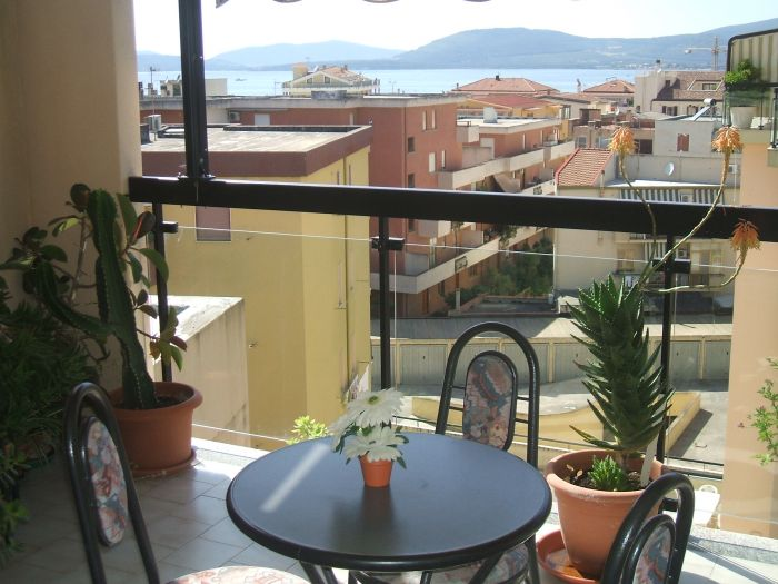 Alejandra Bed and Breakfast, Alghero, Italy, savings on hostels in Alghero
