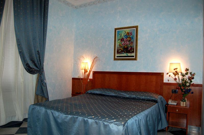 Annalisa House, Rome, Italy, cheap travel in Rome