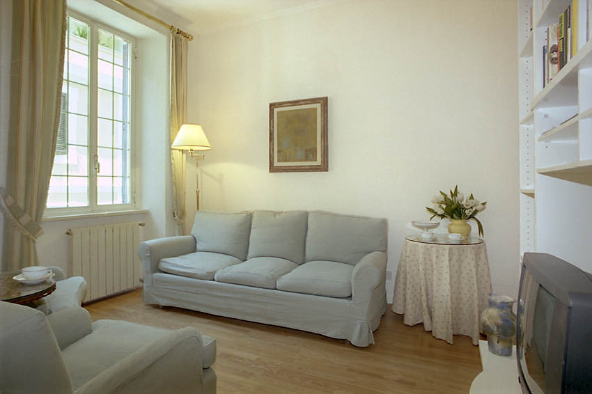 Antonio Apartment, Rome, Italy, affordable guesthouses and pensions in Rome