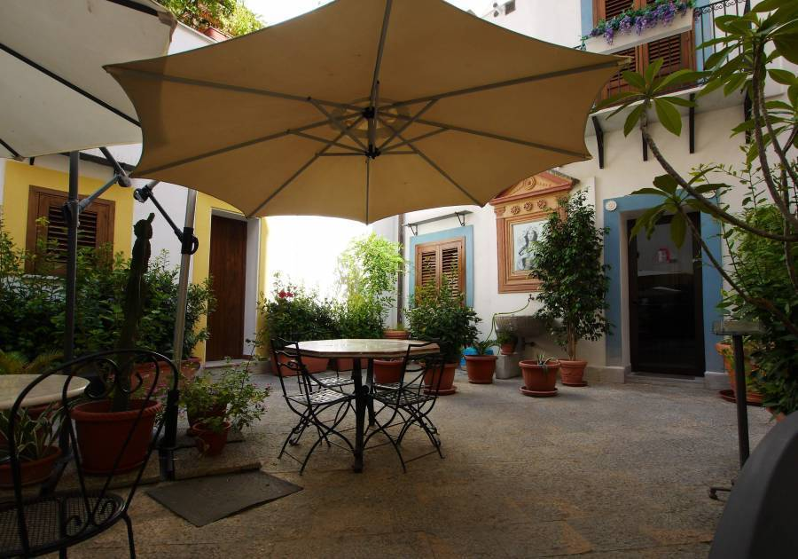 B and B Al Giardino Dell'alloro, Palermo, Italy, Italy bed and breakfasts and hotels