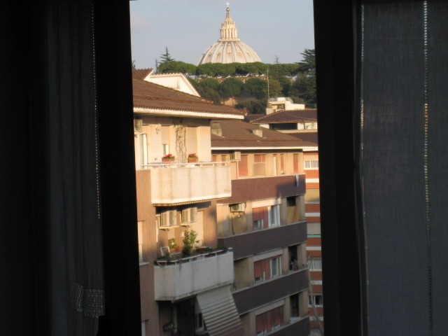 Bixio Apartment, Rome, Italy, stay in a hostel and meet the real world, not a tourist brochure in Rome