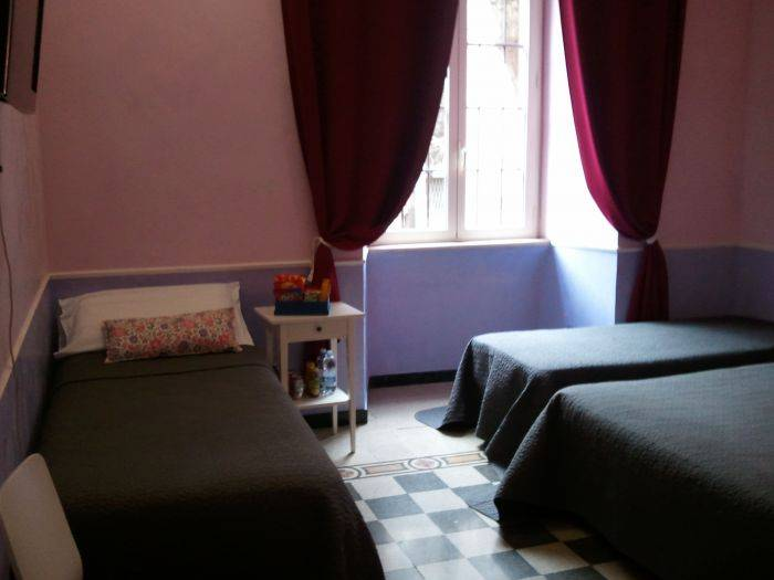 BnB Casa di Silvia, Rome, Italy, search for hostels, low cost hotels B&Bs and more in Rome