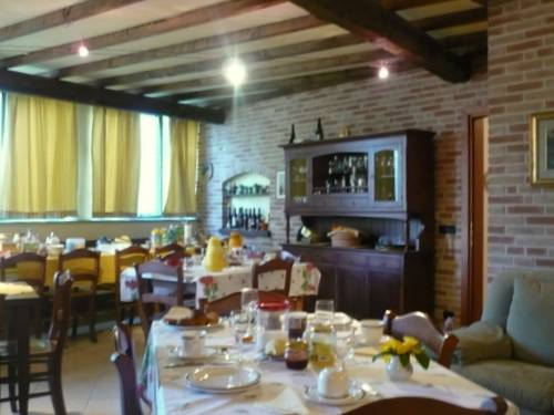 Ca d'Rot Bed and Breakfast, Vinchio, Italy, hostels with rooftop bars and dining in Vinchio
