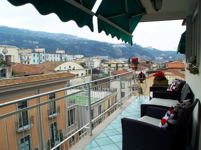 Casa Cori, Sorrento, Italy, backpacking and cheap lodging in Sorrento