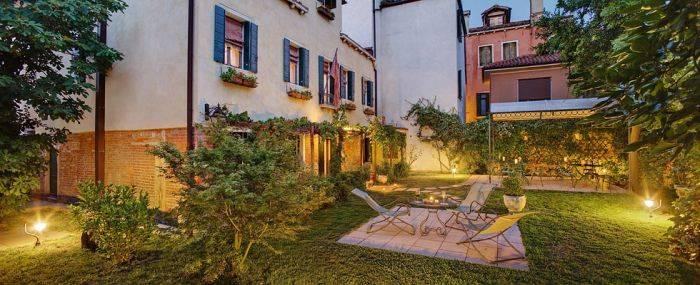 Casa Rezzonico, Venice, Italy, choice bed & breakfasts in Venice