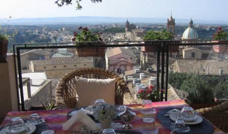 Bedandbreakfast Tre Metri Sopra Il Cielo -  Caltagirone, holiday vacations, book a bed & breakfast 52 photos
