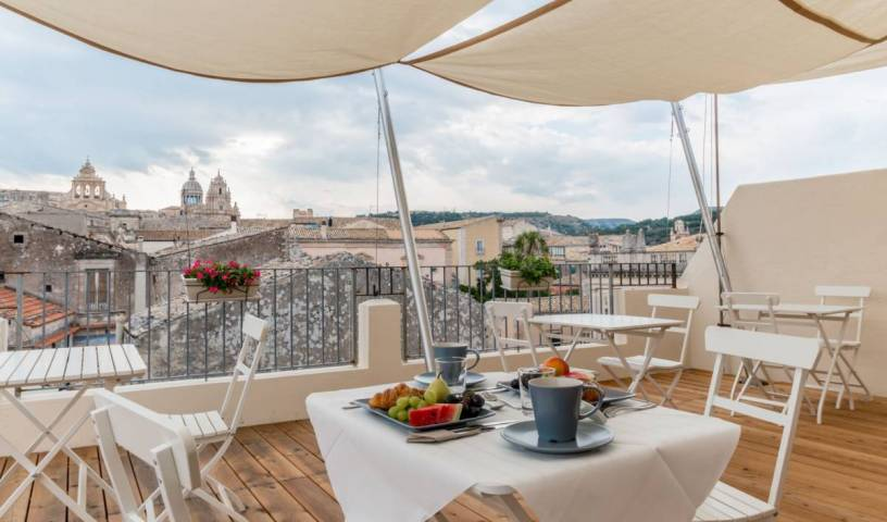 BnB Terrazza Dei Sogni - Search for free rooms and guaranteed low rates in Ragusa Ibla, best hostels for singles in Pozzallo, Italy 20 photos