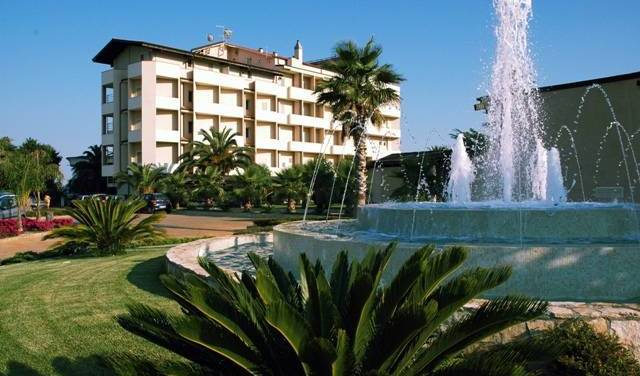 Grand Hotel President - Search for free rooms and guaranteed low rates in Siderno Marina, cheap hostels 7 photos