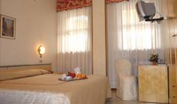 Hotel Cristallo, bed & breakfast bookings for special events 5 photos