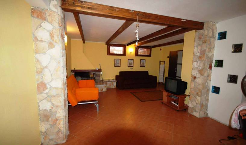 Maracalagonis BB Home Sweet Home - Search for free rooms and guaranteed low rates in Maracalagonis, best hostels for solo travellers in Quartu Sant'Elena, Italy 4 photos