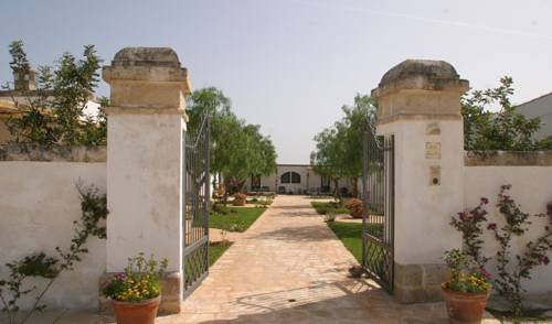 Masseria L'Ovile -  Brindisi, bed & breakfasts with hot tubs in Monopoli, Italy 5 photos