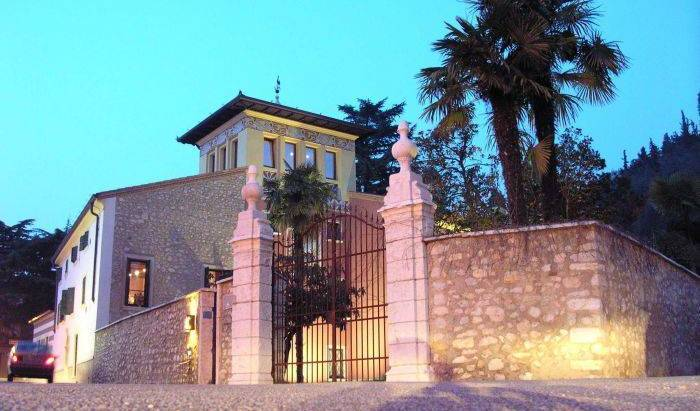 Residence Villa Vinco, cheap hostels 44 photos