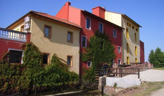 Tenuta del Vecchio Mulino - Search available rooms and beds for hostel and hotel reservations in Vercelli, youth hostels with ocean view rooms in Cuggiono, Italy 17 photos