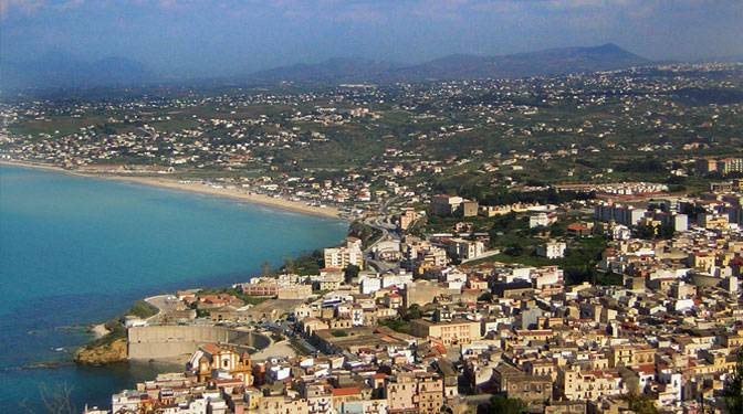 DaLina Town House, Castellammare del Golfo, Italy, bed & breakfasts and rooms with views in Castellammare del Golfo