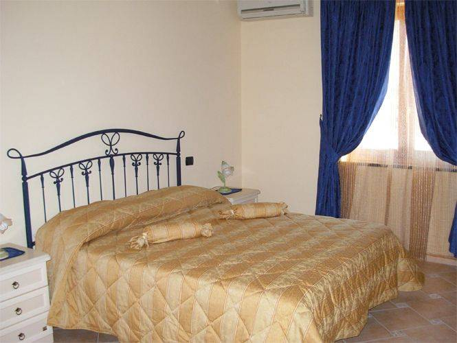 Divinus Bed and Breakfast, Napoli, Italy, Italy hostels and hotels