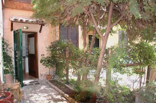 Domus Giulia, Rome, Italy, hostel deal of the week in Rome