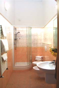 Hotel Fiorita, Florence, Italy, save on hostels with HostelTraveler.com in Florence