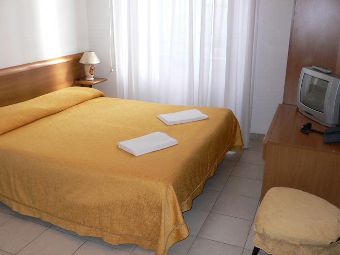 Hotel Lussemburgo, Rome, Italy, places with top reputations and hostels in Rome