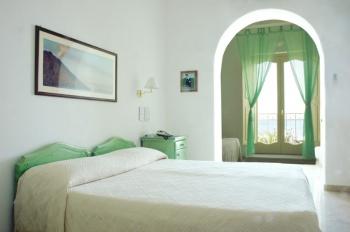 Hotel Ossidiana, Stromboli, Italy, cheap lodging in Stromboli