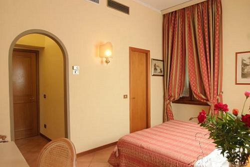 Hotel Royal Firenze, Florence, Italy, 比较旅馆的评论 在 Florence