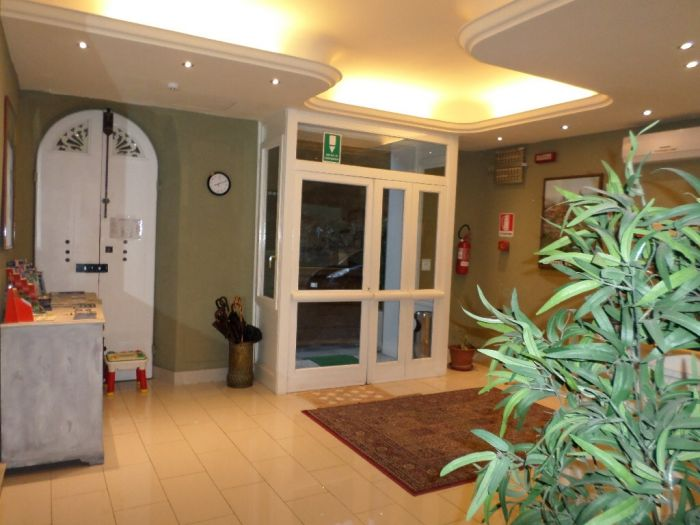 Hotel Veneto, Florence, Italy, your best choice for comparing prices and booking a hostel in Florence