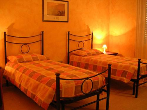 Il Girasole Bed and Breakfast, Cagliari, Italy, ベッド&禁煙ルーム付きの朝食 に Cagliari