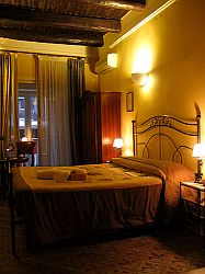 L'alloggio dei Vassalli Hotel, Napoli, Italy, traveler secrets in Napoli