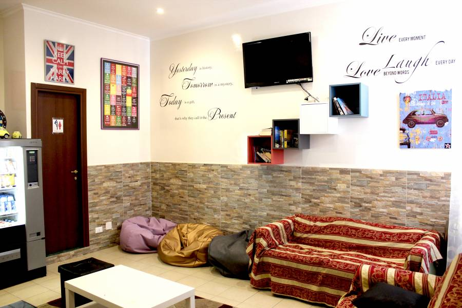 Legends Hostel, Rome, Italy, Italy hostels and hotels