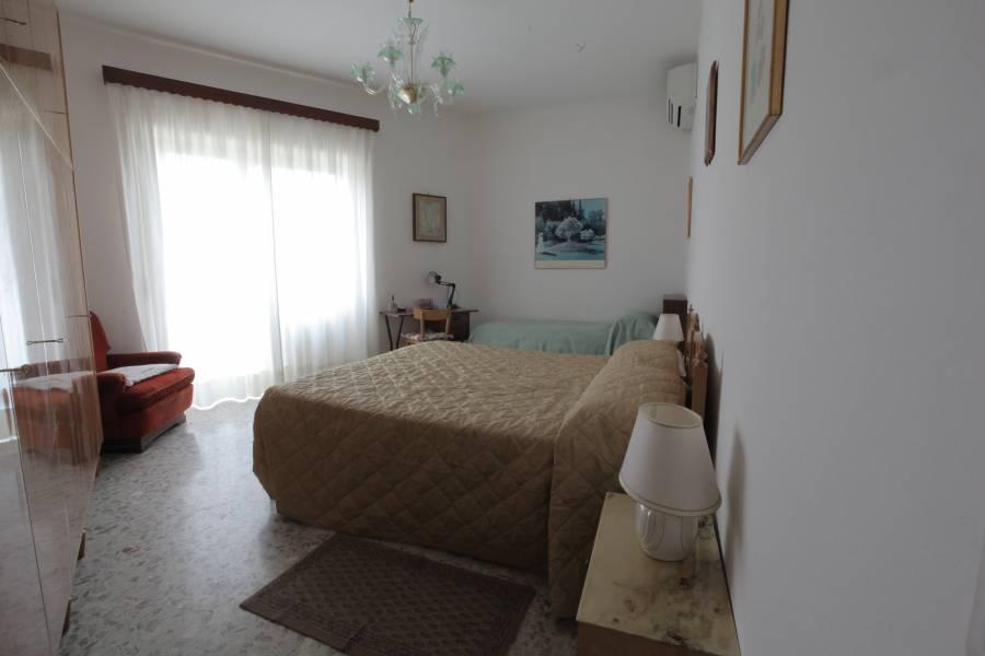 Mary Anne Apartment, Rome, Italy, A cama desta semana e Ofertas de café da manhã dentro Rome