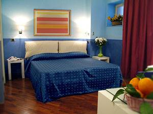 Napoliday, Napoli, Italy, Italy bed and breakfasts and hotels