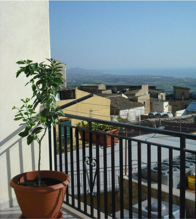 Night and Day, Agrigento, Italy, bed & breakfasts for world travelers in Agrigento