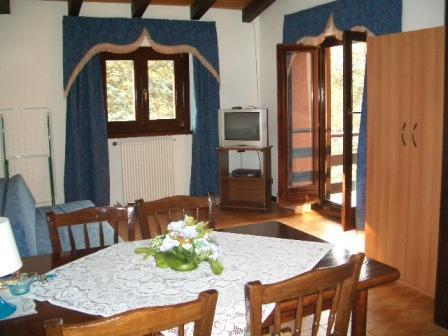 Residence Park Alpini, Idro, Italy, youth hostels, motels, backpackers and B&Bs in Idro
