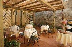 Residence Santa Chiara, Lucca, Italy, we compete with the world's best travel sites, book the guaranteed lowest prices in Lucca