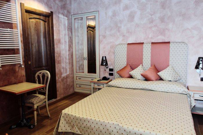 Rhona's Rooms Bed and Breakfast, Rome, Italy, Italy hostels and hotels