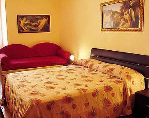 Saint Peter Holiday, Rome, Italy, top 10 hostels and backpackers in Rome