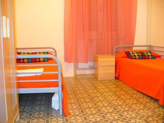 Sweet Hostel, Milan, Italy, find the lowest price for hostels, hotels or bed and breakfasts in Milan
