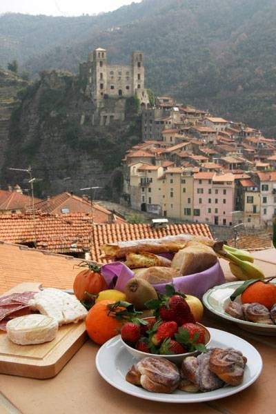 Talking Stones, Dolceacqua, Italy, Italy bed and breakfasts en hotels