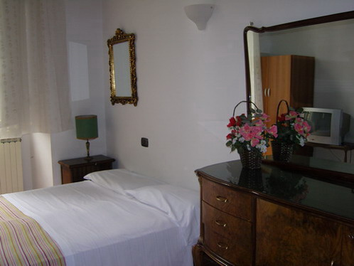 Tourist House Santa Croce, Florence, Italy, Italy hostels and hotels