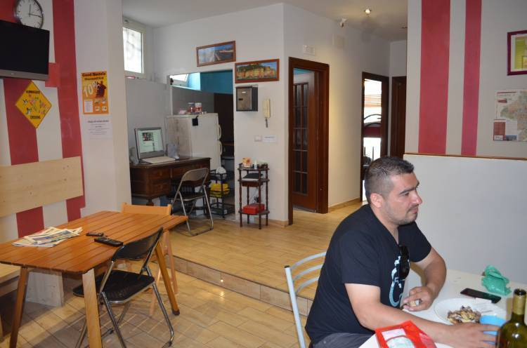 Twincities Hostel, Rome, Italy, stay in a hostel and meet the real world, not a tourist brochure in Rome